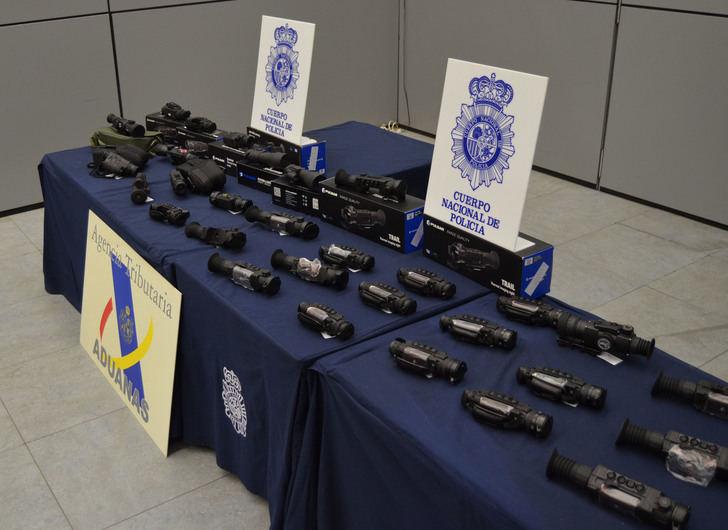 Desarticulada una red de contrabando de visores para armas de fuego en Albacete y Talavera de la Reina