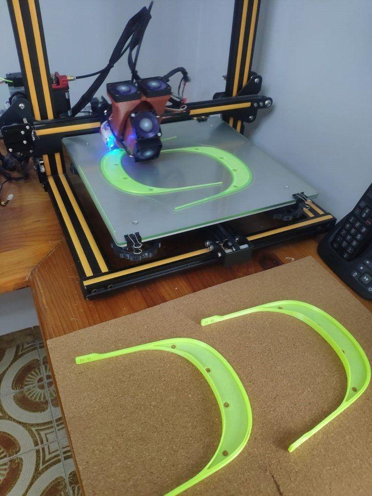 Más de 500 castellanomanchegos ponen sus impresoras 3D a trabajar para hacer material sanitario