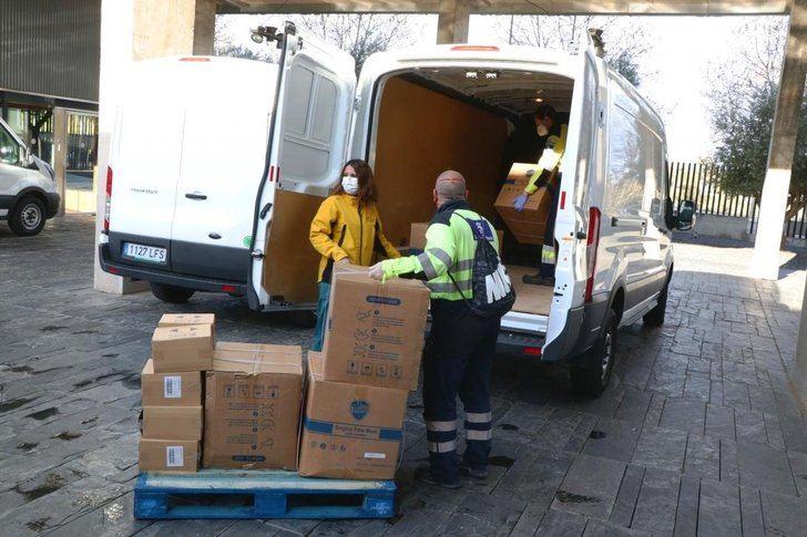 Castilla-La Mancha distribuye 240.000 artículos de protección, entre ellos 187.900 mascarillas