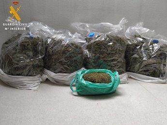 Detenido un hombre en Santa Cruz de Retamar (Toledo) por transportar en su vehículo 9 kilogramos de marihuana