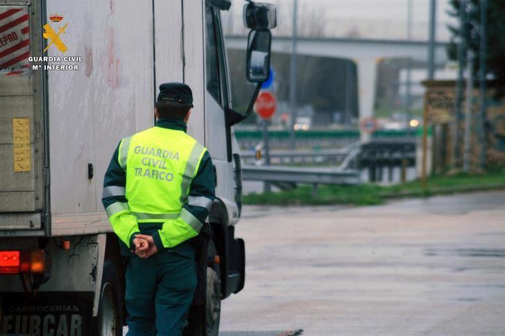 Investigado un camionero por sextuplicar la tasa de alcoholemia en Cabanillas del Campo (Guadalajara)