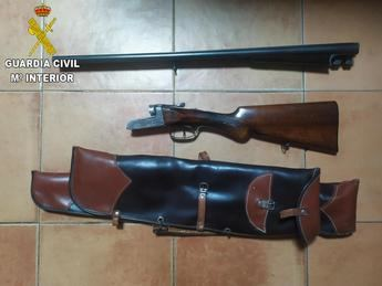 Detenido un hombre en Torrijos (Toledo) por huir de un control policial y poseer un arma