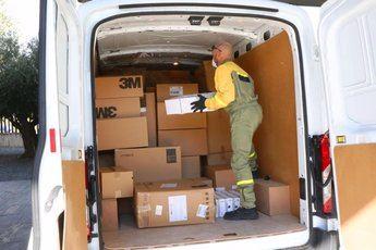 Más de 433.000 artículos de protección han llegado esta semana a los centros sanitarios de Castilla-La Mancha