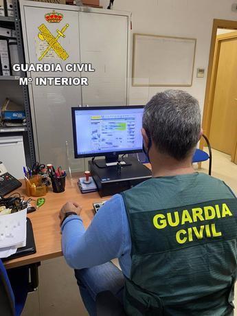 Detenidas dos personas en Azuqueca de Henares por estafar en compras por Internet por valor de 1.247 euros