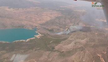 Declarado el nivel 2 de alerta en el incendio de Liétor por posible afección por humo a la población
