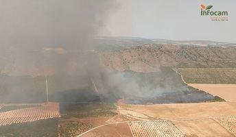 Declaran el nivel 1 de alerta en el fuego de Tobarra por posible afección a bienes de naturaleza no forestal