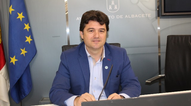 El Ayuntamiento de Albacete aprueba la sustitución del césped artificial de dos campos de fútbol del Carlos Belmonte