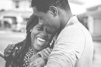 El amor a través del tiempo: cartas de amor y citas online
