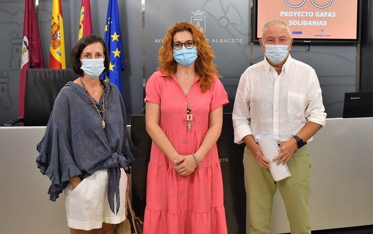 Ayuntamiento de Albacete y Stop Ceguera han logrado entregar gafas a 140 personas en situación de vulnerabilidad económica
