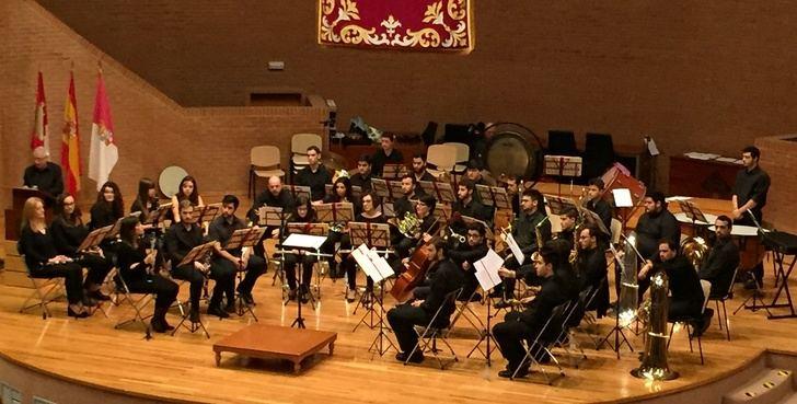 La Asociación Musical de la UCLM y el Orfeón de la Mancha ofrecen una gala lírica a beneficio de AMAC
