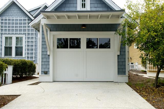 ¿Cómo elegir la puerta de garaje adecuada?
