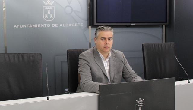 El Ayuntamiento de Albacete invertirá un cuarto de millón de euros para revitalizar la estación de autobuses