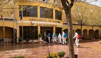 Limpieza de la residencia y el centro de salud de Tarazona por parte del personal del Geacam