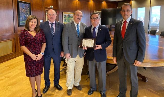 Reconocimiento de Globalcaja a José Mansilla, exdecano del Colegio de Ingenieros Agrónomos de Albacete