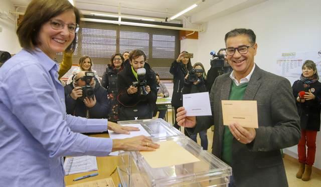 """González Ramos (PSOE) vota y llama a la participación ciudadana en """"las elecciones más importantes para el futuro de España"""""""