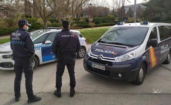 Agentes de Policía salvan la vida de una mujer que sufrió un infarto mientras conducía en Guadalajara