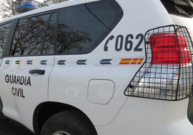 La Guardia Civil encuentra 67 kilos de hachís abandonados en la autovía A-4, en Tembleque (Toledo)