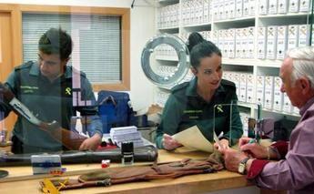 La Guardia Civil informa del cambio normativo sobre la validez nacional de los informes para obtener licencias de armas