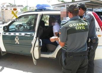 Un guardia civil destinado en Almansa (Albacete) detiene a un hombre en Mérida tras ver como introducía a su pareja en un maletero
