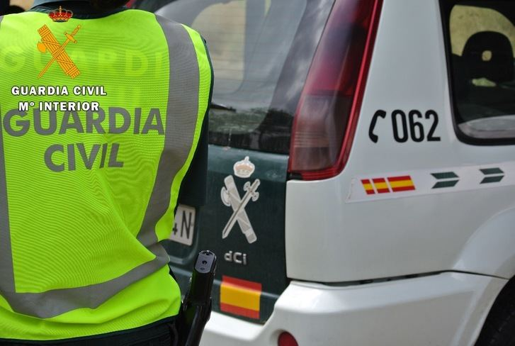 La Guardia Civil desarticula un punto de venta de droga 'rebujito' en Manzanares y detiene a dos personas