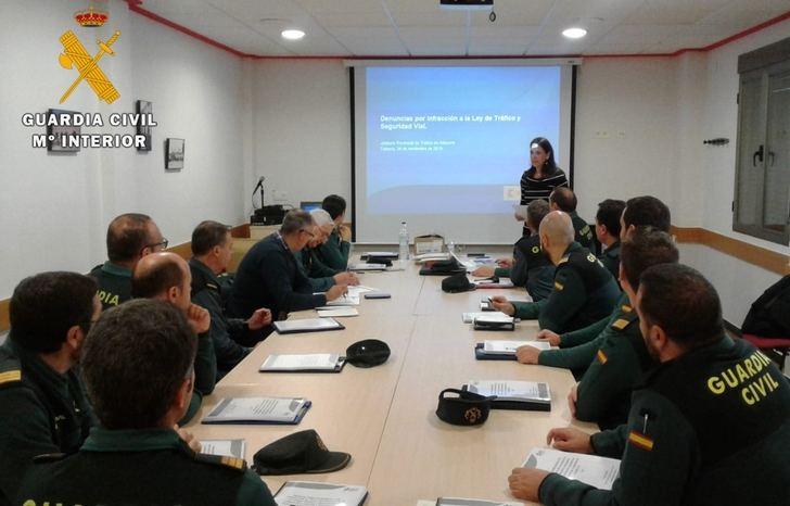 La Guardia Civil de Albacete realiza unas jornadas formativas sobre tramitación de expedientes de tráfico