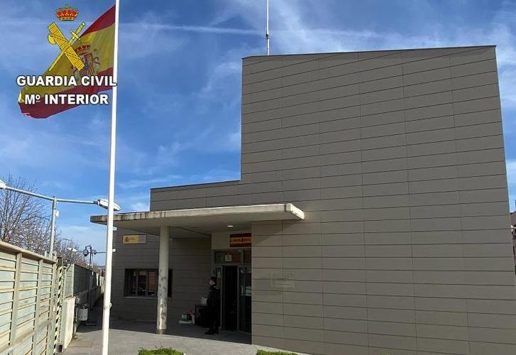 Detenida en Azuqueca por amenazar y robar 650 euros a una persona que le iba a comprar un móvil