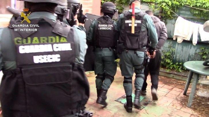 Desarticulado un grupo criminal que estafó por Internet 41.000 euros a un empresario de Almansa (Albacete)
