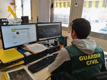 Tres detenidos en Cuenca por falsedad documental en los exámenes teóricos para la obtención del permiso de conducir