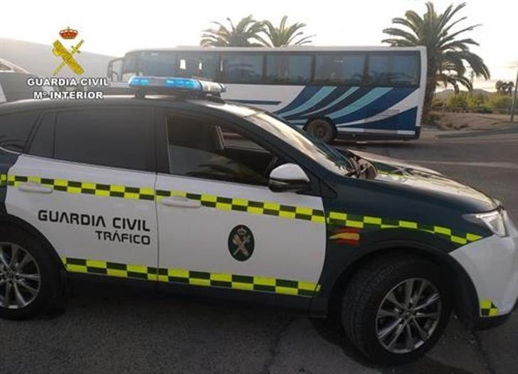 La Guardia Civil intercepta al conductor del autobús de Cancarix (Hellín) a Ceutí que casi triplicaba la tasa máxima de alcohol