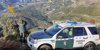 La Guardia Civil localiza a tres personas que se habían desorientado en el parque natural de los Calares del Mundo y la Sima