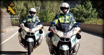 Detenido un joven de 21 años de Caudete (Albacete) sin carnet y que impactó su moto a un agente de la Guardia Civil