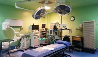 Renuevan por 150.000 euros la iluminación de los quirófanos de Manzanares