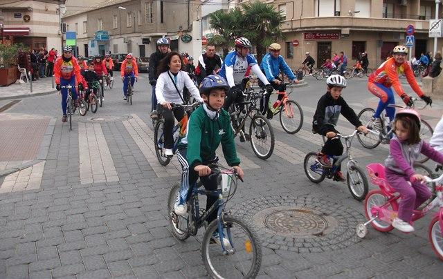 Este domingo, paseo familiar en bicicleta con salida desde el paseo ferial de La Roda
