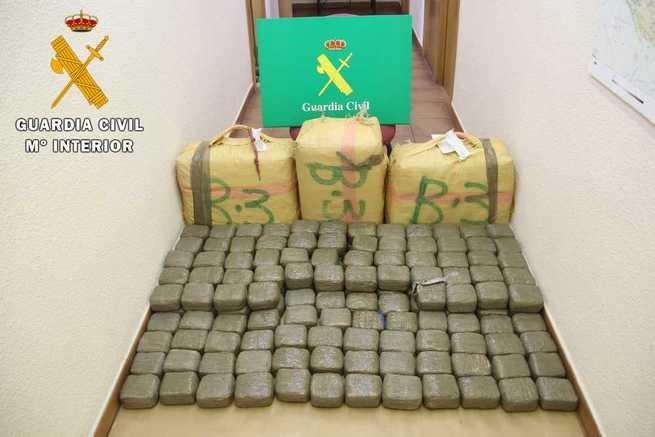 Detenido un hombre que transportaba 192 kg de hachís en Madridejos (Toledo)
