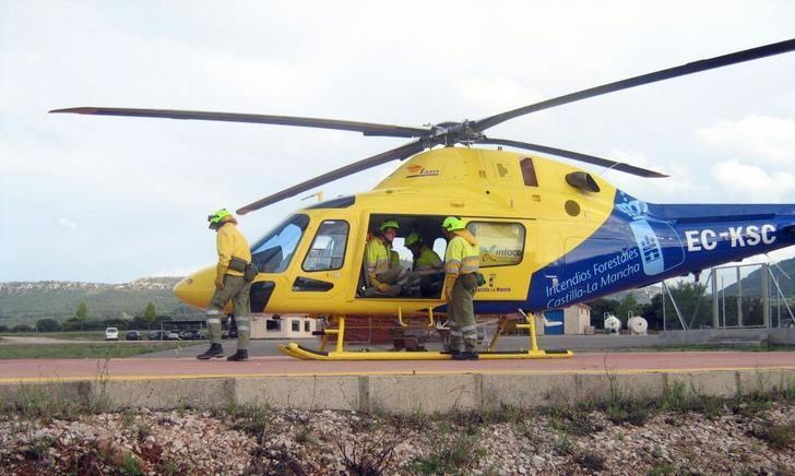 Castilla-La Mancha envía cuatro medios aéreos y 12 profesionales para colaborar en la extinción del incendio forestal de Tarragona