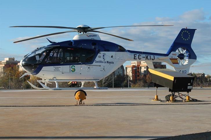 Trasladado en helicóptero a La Paz de Madrid un trabajador tras sufrir la amputación de una mano en Campollano (Albacete)