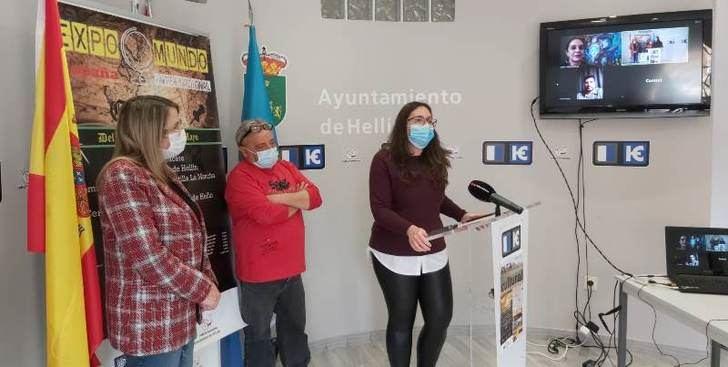 Las Minas (Hellín) acoge una exposición pictórica internacional con 30 artistas de 13 países