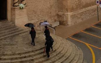 La lluvia llega a Castilla-La Mancha en el momento más inoportuno y un buen número de procesiones se suspenden en Viernes Santo