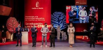 Castilla-La Mancha rinde homenaje en Albacete a su sector educativo tras un año marcado por la pandemia