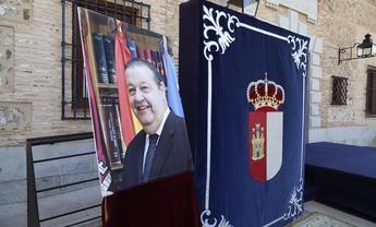 Diputados de Castilla-La Mancha guardan un minuto de silencio por el fallecimiento del expresidente Jesús Fernández Vaquero