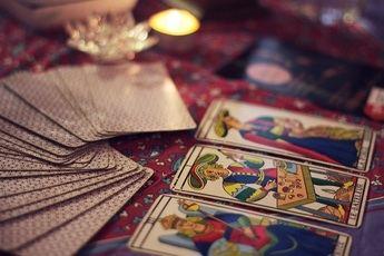 ¿Cuándo es el mejor momento para realizar una consulta de Tarot?