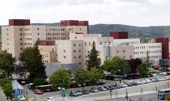 Los bomberos de Cuenca rescatan a un hombre de 34 años caído en la zona del castillo