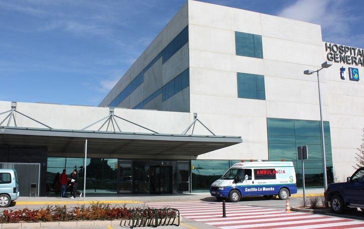 Un muerto y un herido en Almansa (Albacete) tras salirse su turismo de la carretera de madrugada