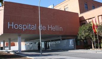 Seis jóvenes heridos son trasladados al Hospital de Hellín tras volcar su furgoneta cerca de Ontur (Albacete)