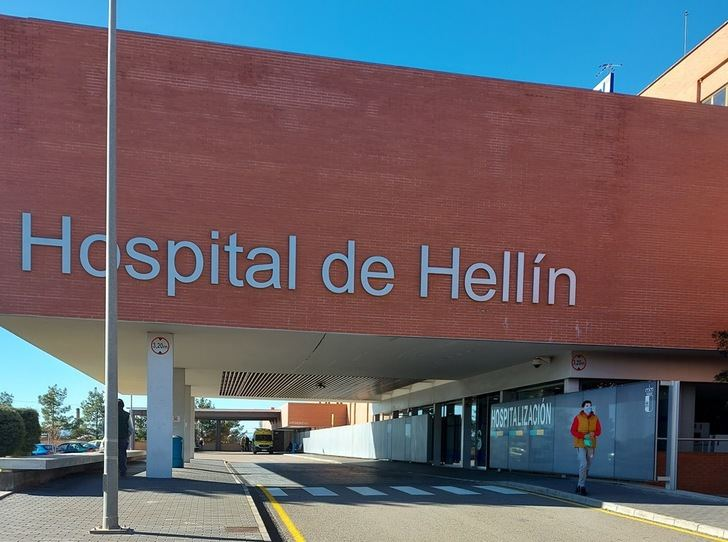 El hospital de Hellín se equipa con 300 paneles fotovoltaicos que le permitirán ahorrar 14.000 euros al año en luz