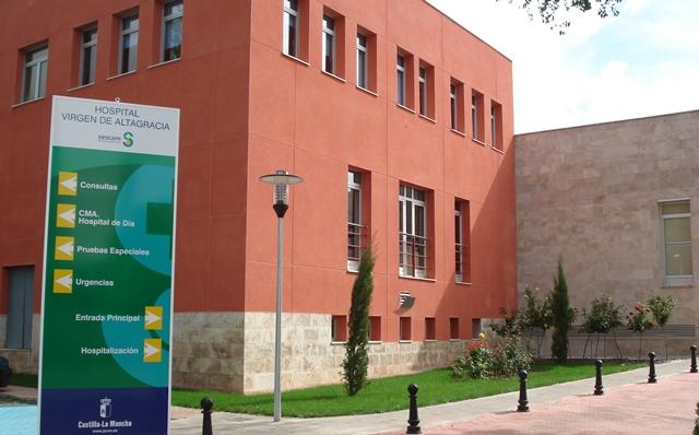 Trasladado a Hospital de Manzanares (Ciudad Real) un hombre que se autolesiona en el cuello