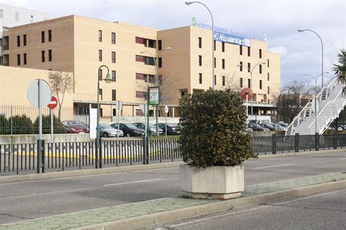 Fallecen un hombre y una mujer resulta herida tras la colisión de un turismo y un camión en Oropesa (Toledo)