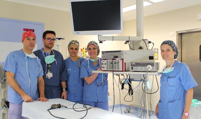 El Hospital de Villarrobledo aumentará un 20% las intervenciones quirúrgicas, tras la renovación de su equipo de endoscopia