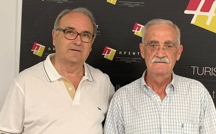 El Hostal Albacete cierra sus puertas después de 38 años acompañado a albaceteños y visitantes