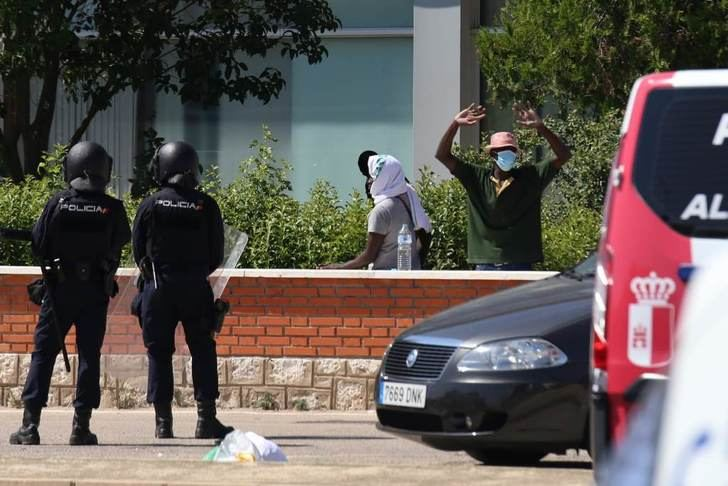 El PP de Albacete pide, por escrito, la documentación de la gestión del confinamiento de los temporeros e ilegales